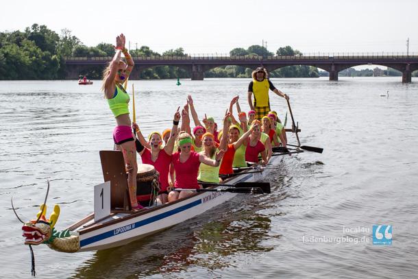 Riesiger Jubel bei den legendären Knalltüten. Verständlich: Denn gleich bei der ersten Teilnahme erreichten die jungen Frauen den ersten Platz.