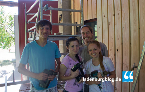 Student/innen aus Europa arbeiten derzeit gemeinsam auf der Bacherlebnisstation in Ladenburg