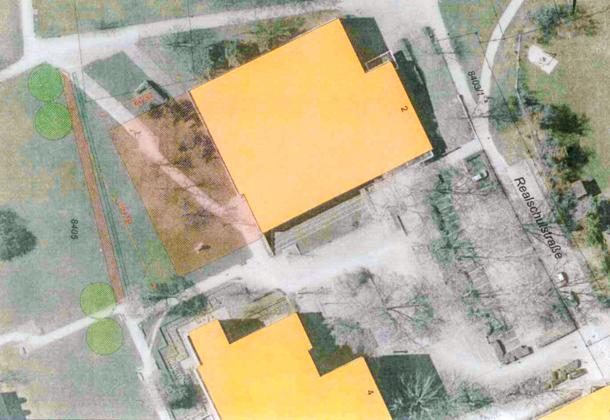 Die Einfeldhalle soll auf dem orange eingefärbten Bereich angebaut werden. Bild: Gemeinderatsvorlage Anlage 1