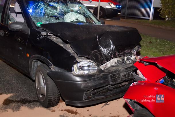Drei Schwerverletzte und ein Sachschaden von rund 6.000 Euro sind das Ergebnis des Unfalls am Dienstagabend in der Wallstadter Straße. Die Polizei sucht Zeugen und den Verursacher des Unfalls.